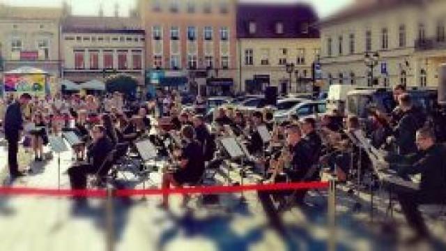 Koncert Miejskiej Orkiestry Dętej na Rynku