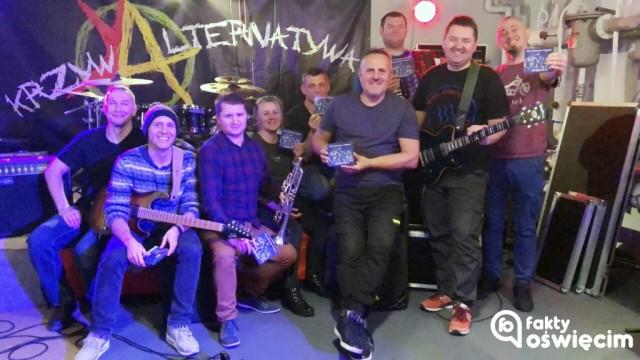 Krzywa Alternatywa i Przyjaciele zapraszają na koncert – FILM