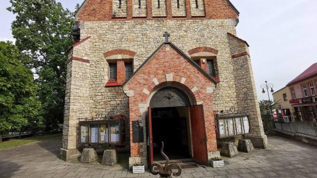 Ksiądz z parafii pw. św. Mikołaja w Chrzanowie zakażony koronawirusem