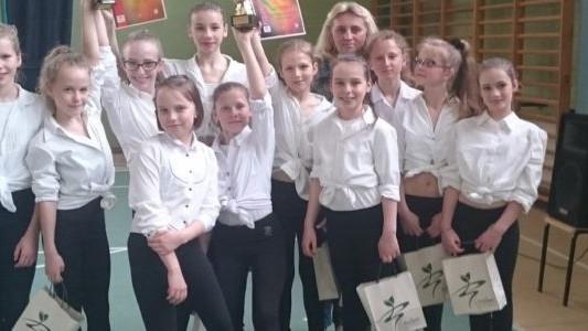 Łyżwiarski taniec wprost na podium – FILM
