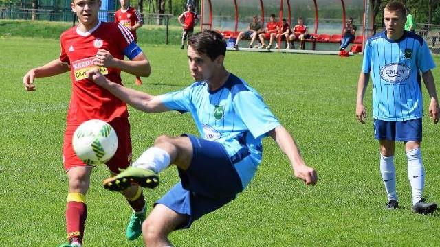 Małopolska liga juniorów starszych: Soła Oświęcim nie potrafi strzelać goli. Przegrała z Dunajcem Nowy Sącz [ZDJĘCIA]