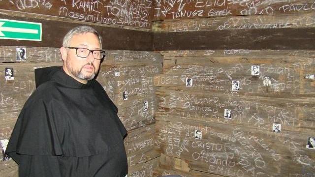 Mały szkodnik zjada wyjątkową wystawę byłego więźnia KL Auschwitz