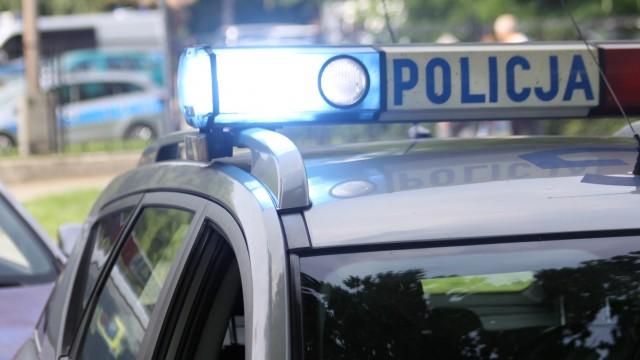 Małżeństwo oraz policjanci pomogli kobiecie chorej na alzheimera