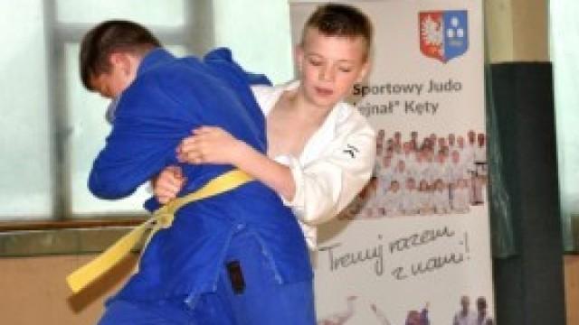Młodzi judocy na Turnieju z okazji Dnia Dziecka. Zobaczcie, jak walczyli!