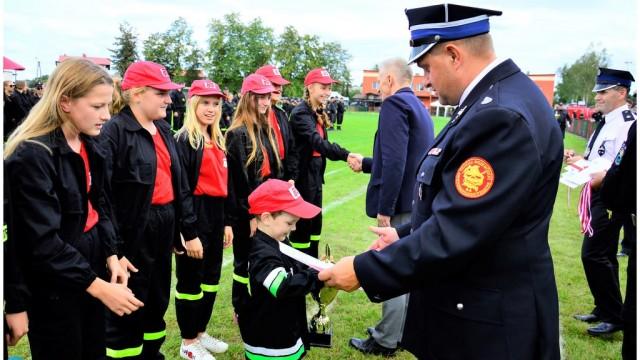 Młodzi strażacy z Włosienicy opanowali turniej – FILM, FOTO