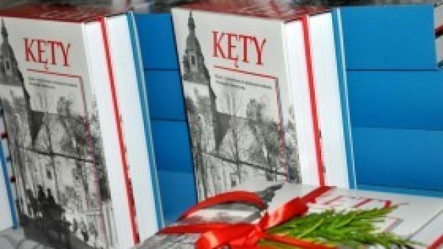 Monografia historyczna Kęt w dwóch tomach - pierwsza próba tak szerokiego spojrzenia na lokalną historię