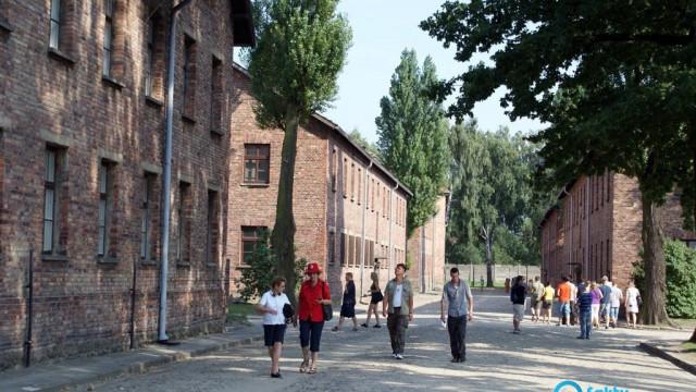 Muzeum Auschwitz otwarte dla zwiedzających przez cały czas