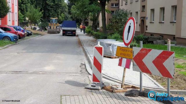 Na bezpieczną drogę do szkoły nałożyły się dwa remonty – FOTO