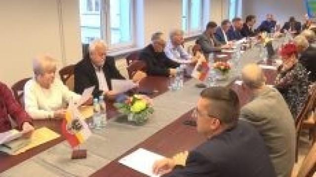 Nadzwyczajna sesja Rady Powiatu kadencji 2014-2018 FILM