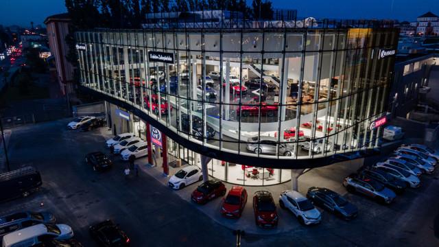 Największy salon w Europie Toyoty i Lexusa już otwarty – FILM, FOTO