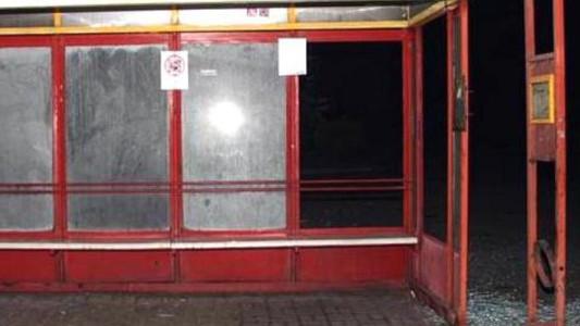 Nastolatkowie niszczyli przystanki autobusowe