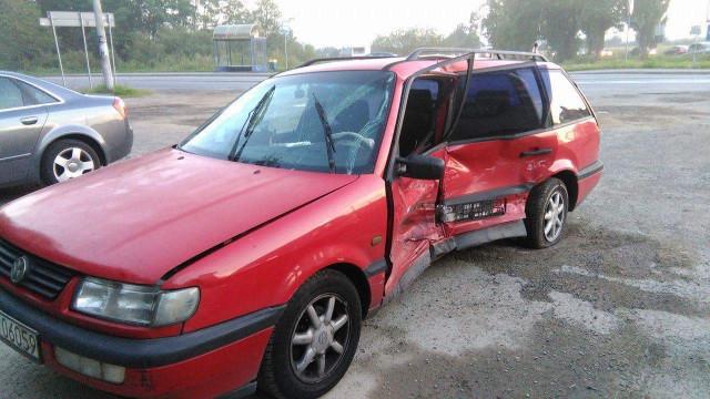 Niebezpieczne skrzyżowanie przy Tarniówce. Kolejne zderzenie pojazdów.ZDJĘCIA !