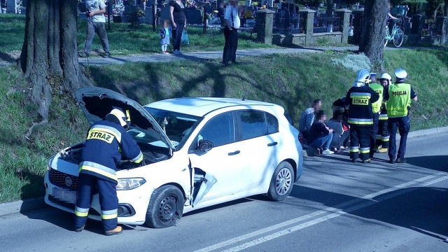 Niebezpiecznie w Polance Wielkiej. Zderzenie trzech pojazdów, wśród poszkodowanych kobieta w ciąży. ZDJĘCIA!