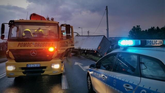 Niebezpieczny poniedziałek na drogach w powiecie oświęcimskim