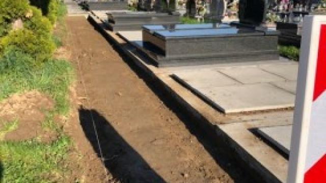 Nowe alejki i remont starych na cmentarzu w Kętach i Witkowicach