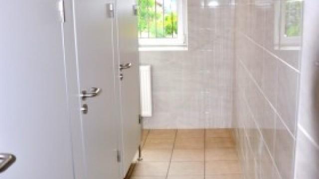 Nowe łazienki w szkole w Bielanach