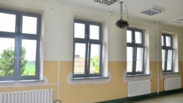 Nowe okna w szkole w Witkowicach. Będzie cieplej i przyjemniej