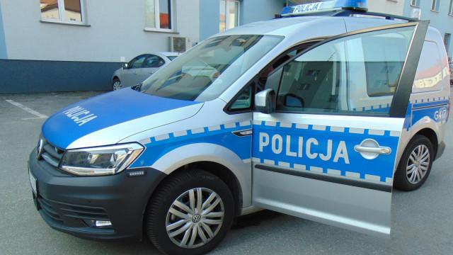Nowy radiowóz Volkswagen Caddy w służbie bezpieczeństwa na drogach powiatu oświęcimskiego
