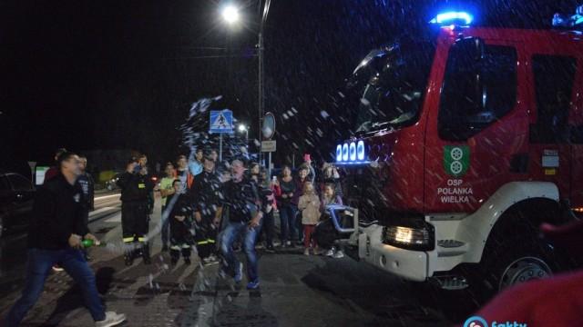 Nowy wóz strażacki i odznaczenia w Polance Wielkiej – FILM, FOTO
