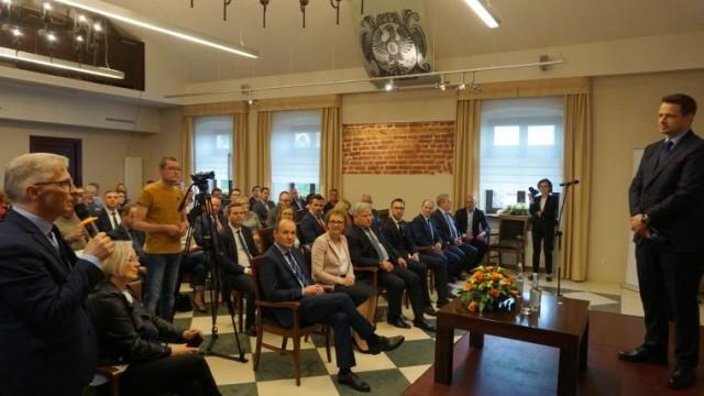 O szansach i wyzwaniach. Spotkanie samorządowców Małopolski Zachodniej z prezydentem Warszawy