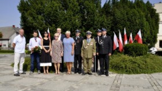 Oddali hołd poległym z okazji Święta Wojska Polskiego
