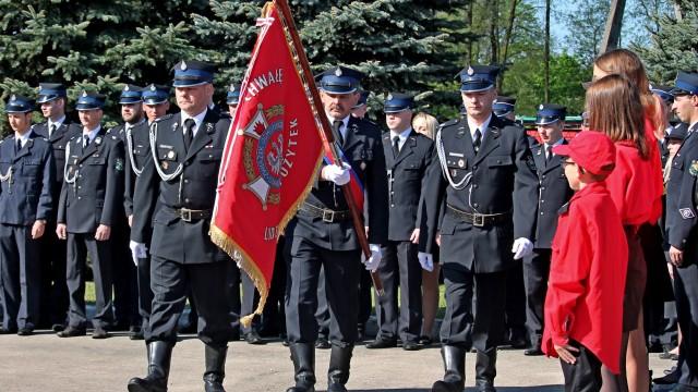 """OSP w Harmężach odznaczona Brązowym Medalem """"Za Zasługi Dla Pożarnictwa"""" – FILM, ZDJĘCIA!"""