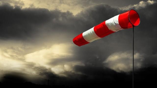 Ostrzeżenie przed silnym wiatrem - InfoBrzeszcze.pl
