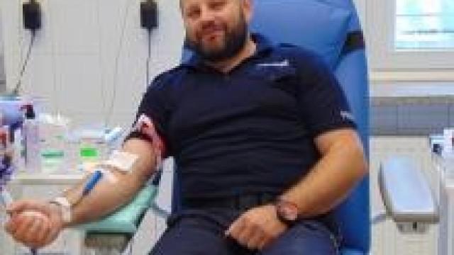 """Oświęcim. """"100 litrów krwi, na 100. lecie Policji"""". Lipcowa akcja policyjnych krwiodawców."""