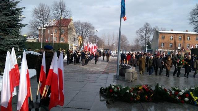 Oświęcim. 74. rocznica oswobodzenia niemieckiego nazistowskiego obozu koncentracyjnego i zagłady Auschwitz-Birkenau i miasta Oświęcimia