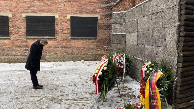 Oświęcim. 76. rocznica oswobodzenia niemieckiego nazistowskiego obozu koncentracyjnego i zagłady Auschwitz -Birkenau