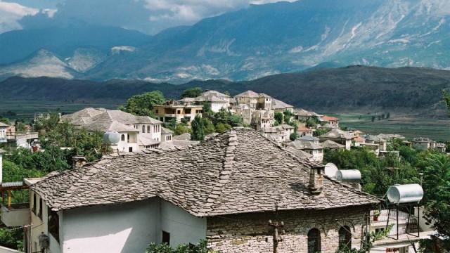 OŚWIĘCIM. Albania – piękna nieznajoma – Spotkanie przy globusie