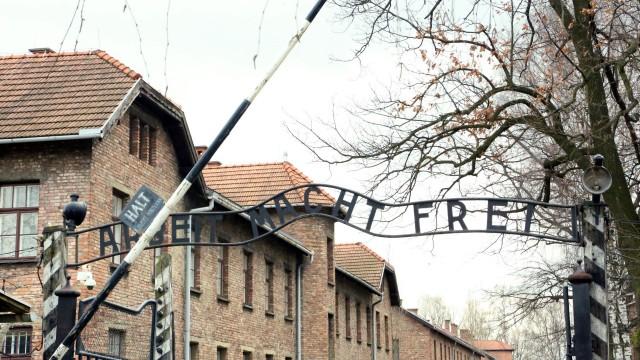 OŚWIĘCIM. Aptekarz z Auschwitz