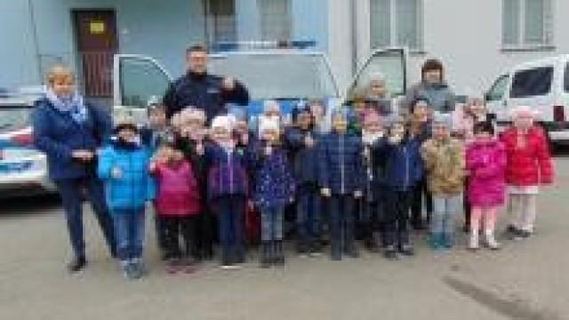 Oświęcim. Dzieci ze Smolic z  wizytą u policjantów
