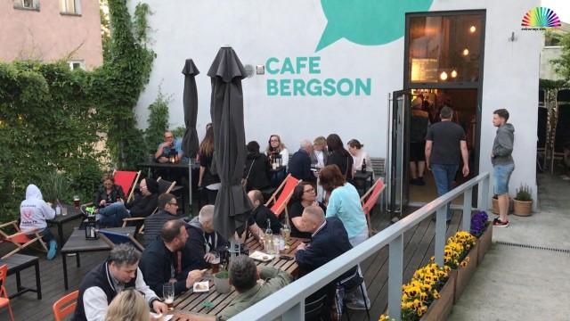 OŚWIĘCIM. Giełda wymiany ubrań w Cafe Bergson
