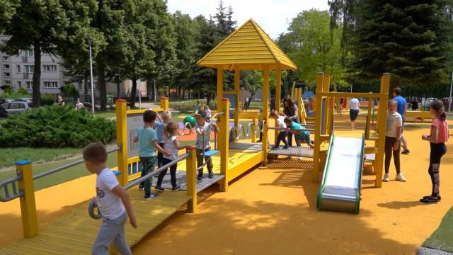 OŚWIĘCIM. Nowy plac zabaw w Parku Pokoju zrobił furorę