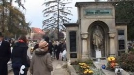 Oświęcim. Organizacja ruchu przy cmentarzach na Wszystkich Świętych