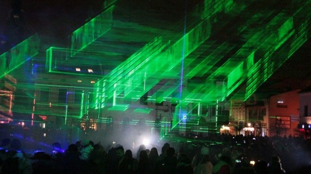 OŚWIĘCIM. Pierwszy sylwestrowy pokaz laserów
