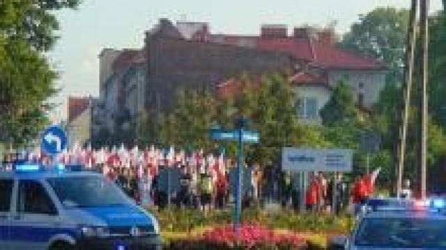 Oświęcim. Policjanci dbali o bezpieczny przebieg uroczystości upamiętniających 78. rocznicę męczeńskiej śmierci św. Maksymiliana Kolbego