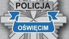 Oświęcim. Policjanci poszukują oszustów, którzy okradli mieszkankę Oświęcimia