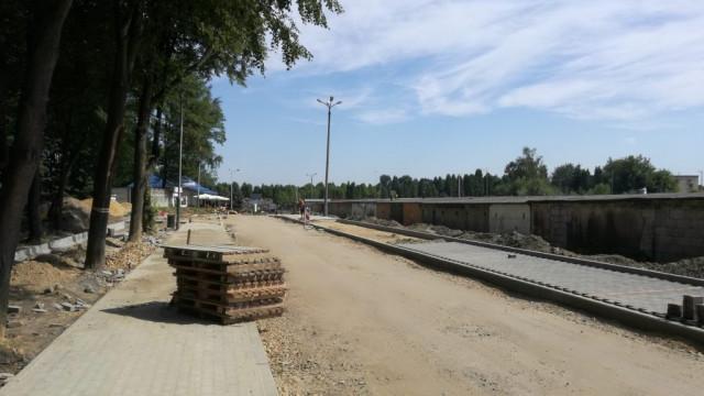 Oświęcim. Poprawi się dojazd do cmentarza komunalnego. Na ukończeniu jest przebudowa fragmentu ul. Norwida