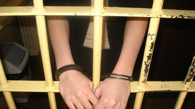 Oświęcim. Poszukiwana za przestępstwo przeciwko rodzinie i opiece,  na pół roku trafiła zakładu karnego
