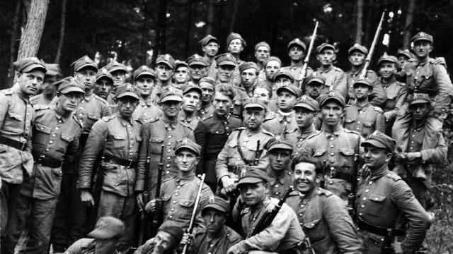"""Oświęcim. Poznaj losy Oświęcimia podczas II wojny światowej. Muzeum Zamek zaprasza na projekt historyczny """"Czas wojny 1939-1945"""""""