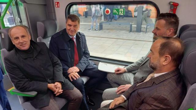 Oświęcim. Prezentacja nowego pociągu Kolei Małopolskich