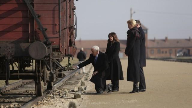 OŚWIĘCIM. Prezydenci Polski i USA zwiedzili Auschwitz