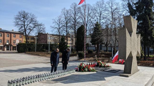 OŚWIĘCIM. Prezydent Janusz Chwierut upamiętnił ofiary katastrofy smoleńskiej