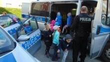 Oświęcim. Przedszkolaki zapoznawały się z policyjną służbą i zasadami bezpieczeństwa