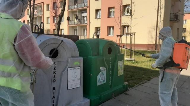 Oświęcim. Służby komunalne dezynfekują przestrzeń publiczną