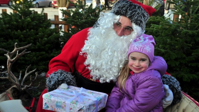 OŚWIĘCIM. Święty Mikołaj spotkał się z najmłodszymi mieszkańcami ziemi oświęcimskiej