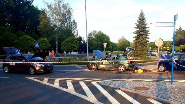 OŚWIĘCIM. To skrzyżowanie jest niebezpieczne. Cztery osoby trafiły do szpitala