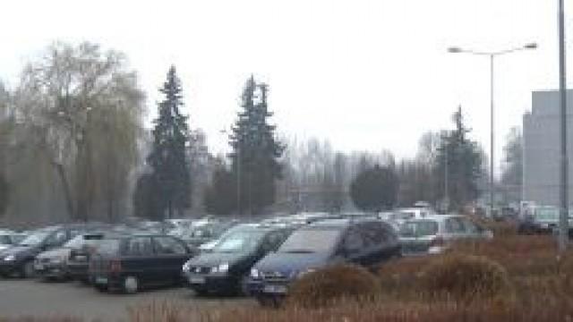 Oświęcim. Utrudnienia w parkowaniu samochodów w Starym Mieście